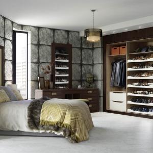 W sypialni z powodzeniem można pozostawić otwartą szafę. Fot. Hammonds