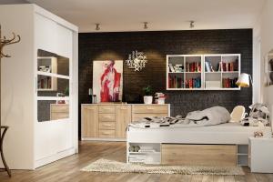 Łóżka z miejscem na pościel. Zobacz 3 ciekawe modele