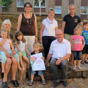 Claudia Gerdom-Gärtner (z tyłu z lewej strony) jest członkiem inicjatywy rodzicielskiej Lübbecke e. V. Fot.: Hettich