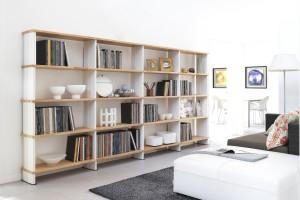 10 pomysłów na książki w salonie