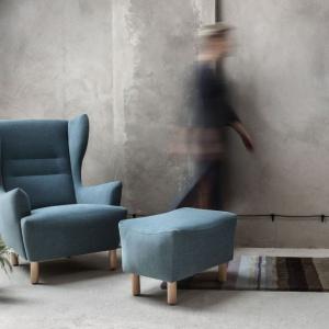 Fotel Muno z podnóżkiem. Fot. Marbet Style