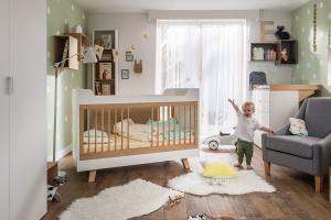 Pokój dziecka. Piękne łóżeczka dla niemowląt
