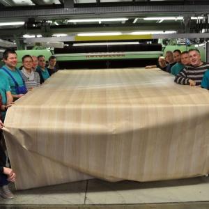 Zespół pracowników firmy Schattdecor. Fot. Schattdecor