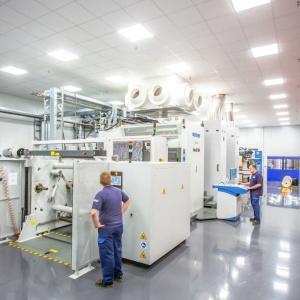 Maszyna do druku cyfrowego w fabryce firmy Interprint w Arnsbergu. Fot. Interprint