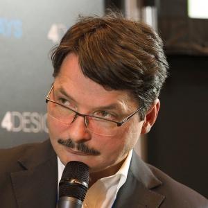 Panel dyskusyjny na Forum Branży Meblowej - prof. Jerzy Smardzewski.. Fot. PTWP