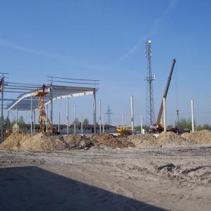 Budowa hal produkcyjnych w 2007 roku. Fot. GTV