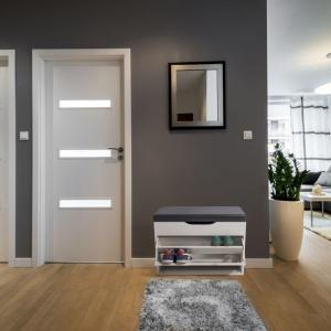 Finnes - szafka na buty firmy Homekraft. Fot. Homekraft