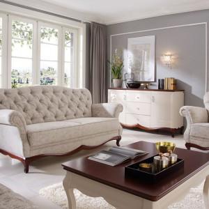 Klasyczna, pikowana sofa