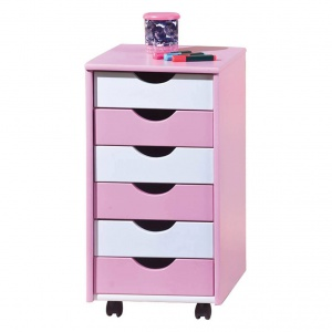 Biało-różowa szafka na kółkach. Fot. Westwing