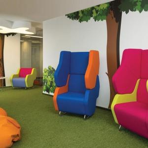 Siedziska Hexa w mocnych kolorach. Fot. Everspace