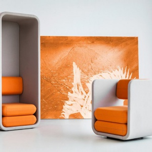 Kabina i fotel z podwyższonymi ściankami