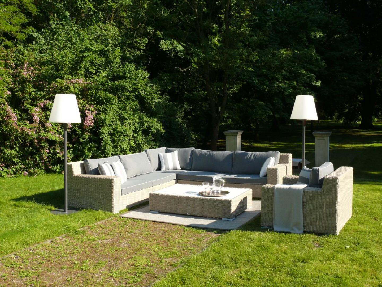 """Sofa ogrodowa z kolekcji """"Cloud"""" firmy Miloo. Fot. Miloo"""