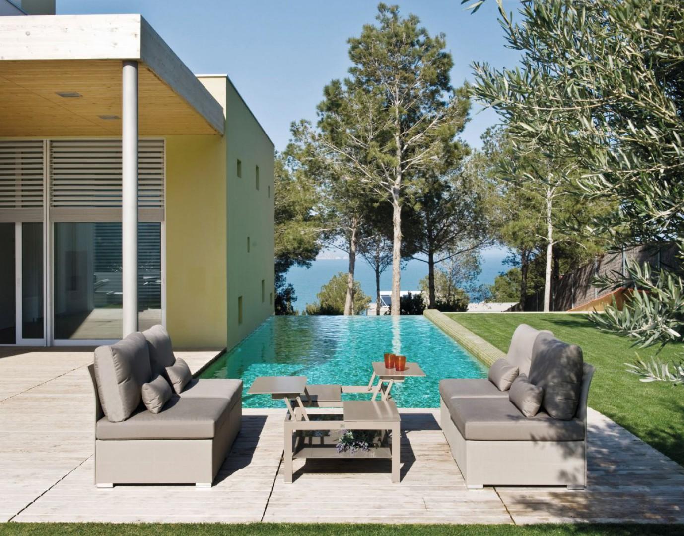 """Sofa ogrodowa z kolekcji """"Lisbon"""" firmy Miloo. Fot. Miloo"""