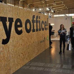 """Firmy Noti i Balma przygotowały wystawę pod prowokacyjnym tytułem """"Bye, bye office"""". Fot. Mariusz Golak"""