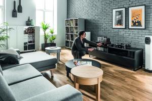 Meble w salonie. 10 nowości w nowoczesnym stylu