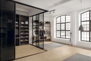 Firma Raumplus odświeżyła swój flagowy showroom w Warszawie
