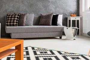 Krzesła do minimalistycznych salonów