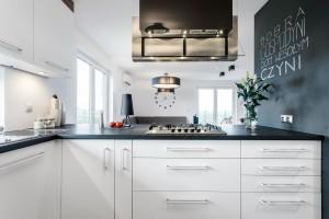 Szuflada w kuchni - wygodna alternatywa dla szafek