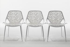 Bardzo lekkie, ażurowe krzesło