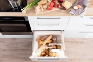 Przechowywanie w kuchni. Sposoby na niemarnowanie jedzenia