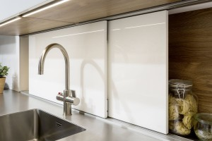 Szklany laminat do mebli kuchennych