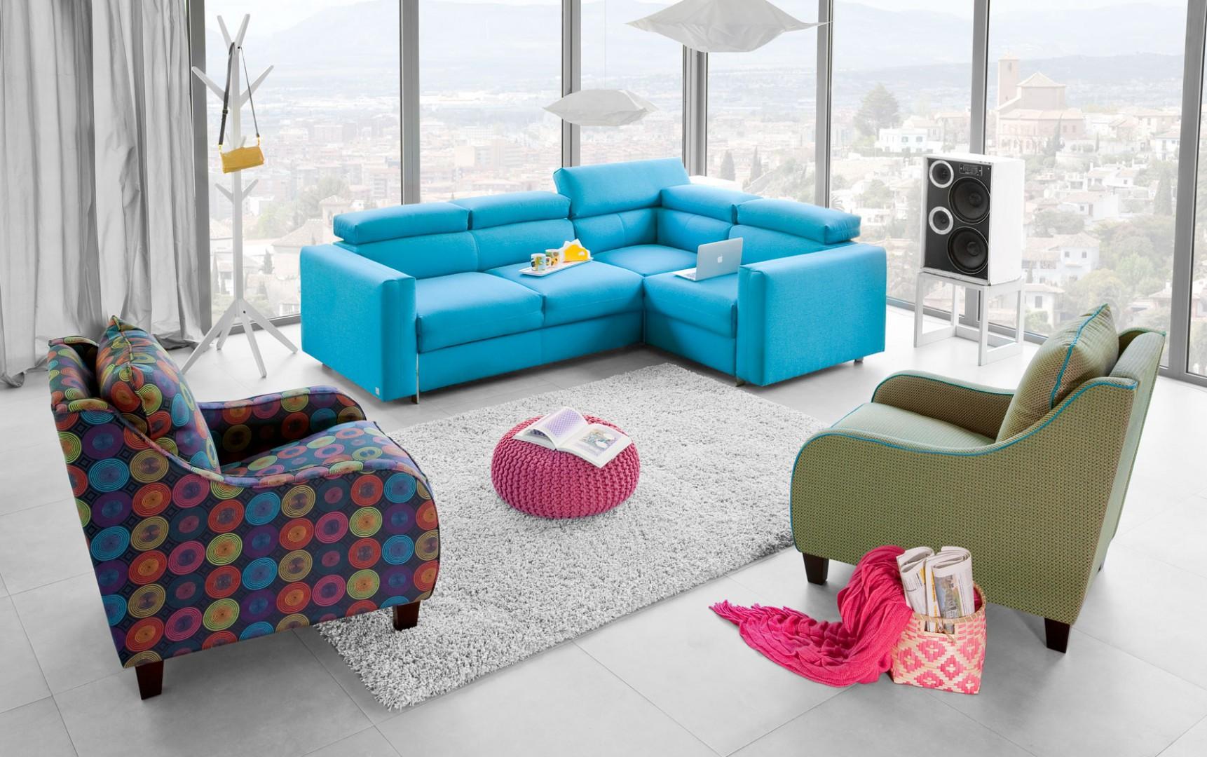 Sofa Palermo posiada regulowane zagłówki. Fot. Bizzarto