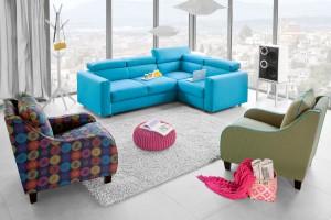 7 pomysłów na sofę w kolorze niebieskim