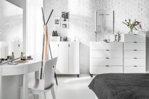 Komoda w sypialni - tradycyjny mebel w nowoczesnej odsłonie