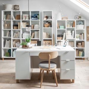 Kolekcja mebli Simple pozwoli urządzić funkcjonalny gabinet. Fot. Vox