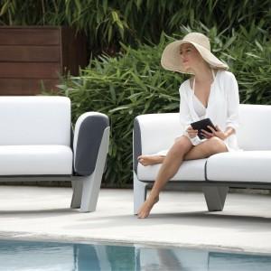 Współczesne sofy ogrodowe zachwycają swoim wyglądem do tego stopnia, że można je również wykorzystać jako mebel salonowy. Fot. Ego Paris