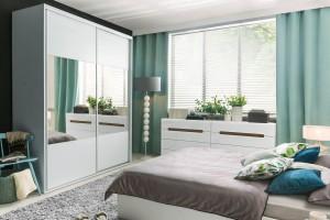 Szafa z lustrem - rozwiązanie do sypialni i przedpokoju