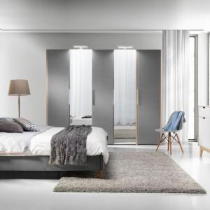 Sypialnia Glame. Tapicerowane łóżko z zagłówkiem zapewnia komfort wypoczynku.  Fot. Wajnert Meble