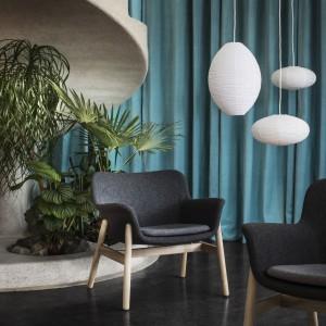 Fotel Vedbo o minimalistycznych kształtach. Fot. IKEA
