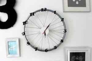 Designerski zegar. Zrób go z koła od roweru