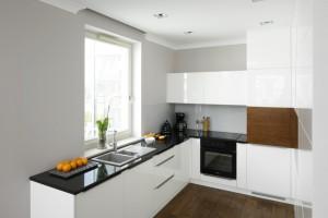 Kuchnia w kształcie litery L. Zdjęcia z polskich domów