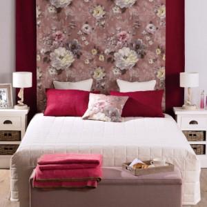 Kolekcja Monet&Granada wprowadzi sypialni kobiecy, romantyczny styl. Fot. Dekoria.pl