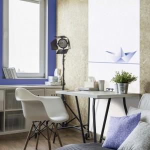 Jasne, stonowane barwy są dobre dla osób, którym ciężko się skupić. Na zdjęciu aranżacja z wykorzystaniem farb Beckers Designer Colour, kolor Marina Blue, Beckers Designer White. Fot. Beckers