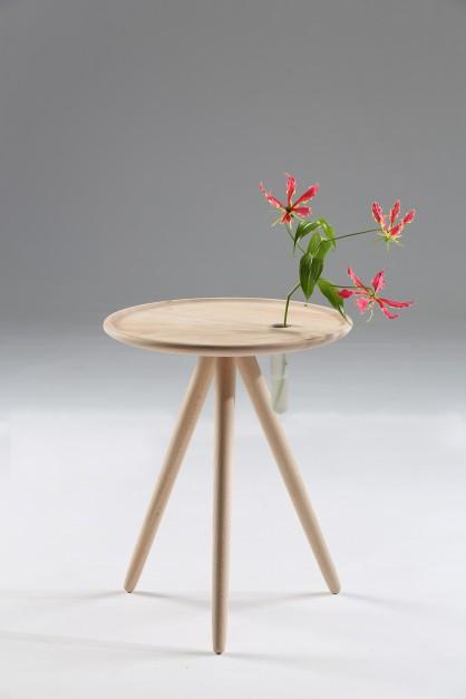 Stolik Flower marki Iker. Fot. Euforma