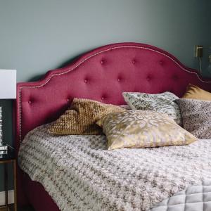 Sypialnia po zmianach z łóżkiem Florem w roli głównej. Fot. Interiors Design Blog