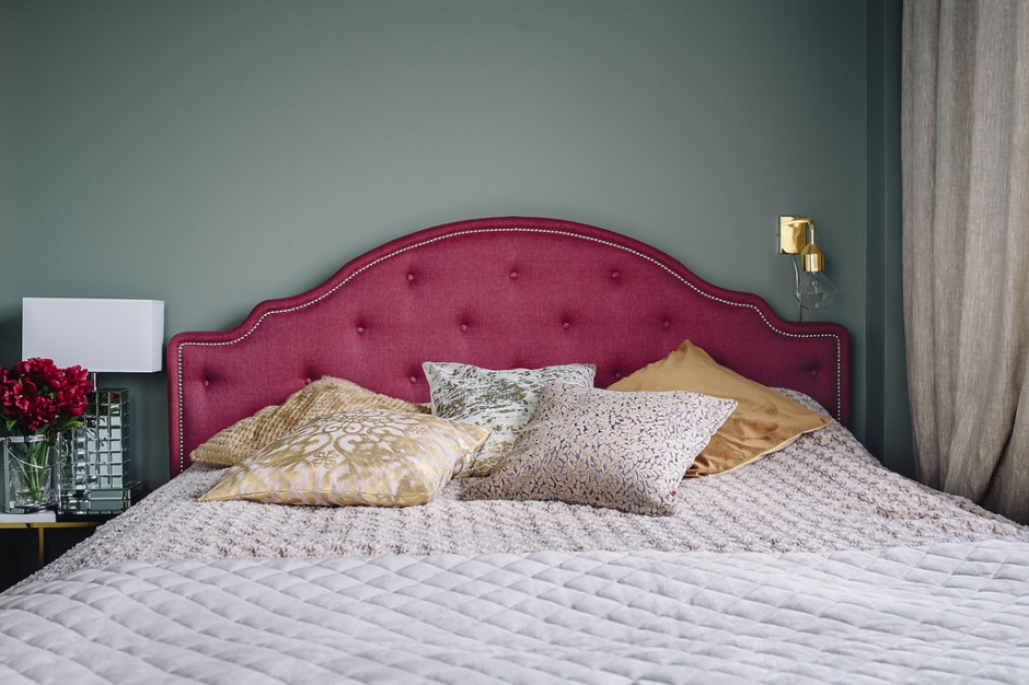 Łóżko Flores wprowadza do wnętrza styl glamour. Fot. Interiors Design Blog