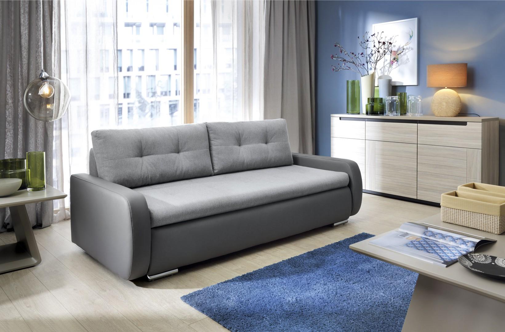 Sofa Pedro to rozwiązanie idealne do małego wnętrza. Fot. Salony Agata