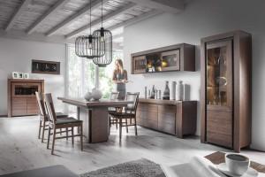 Ciemne meble w salonie i jadalni - postaw na wysmakowaną elegancję