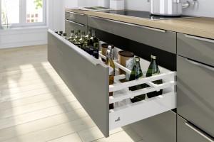 Szeroka szuflada - funkcjonalne rozwiązanie do kuchni