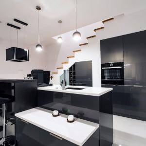Nowoczesna kuchnia w czerni. Fot. Studio Max Kuchnie/Bukowska
