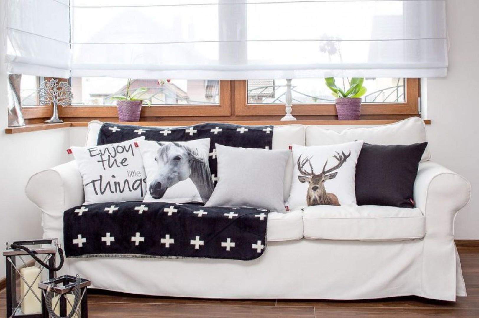 Pokrowiec na sofę, tkanina Cotton Panama. Fot. Dekoria.pl