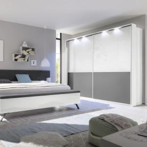 Fronty szafy można dodatkowo podświetlić. Fot. MC Akcent