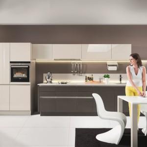 Szaro-biała kuchnia marki Nolte. Fot. Nolte