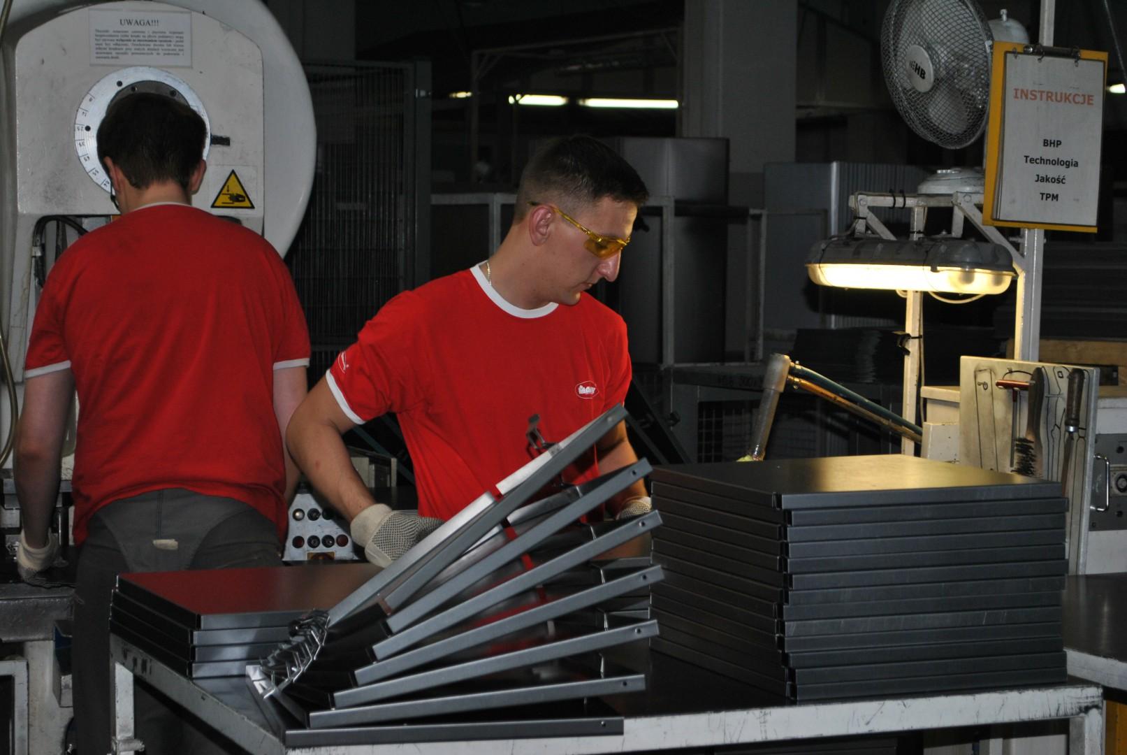 Suwalski zakład produkcyjny firmy Malow, producenta mebli metalowych. Fot. Mariusz Golak