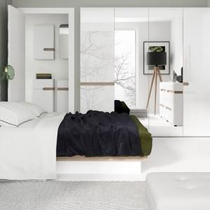 Kolekcja mebli Linate to białe meble z delikatnymi elementami drewna. Nowoczesne i przytulne. Fot. Agata S.A.