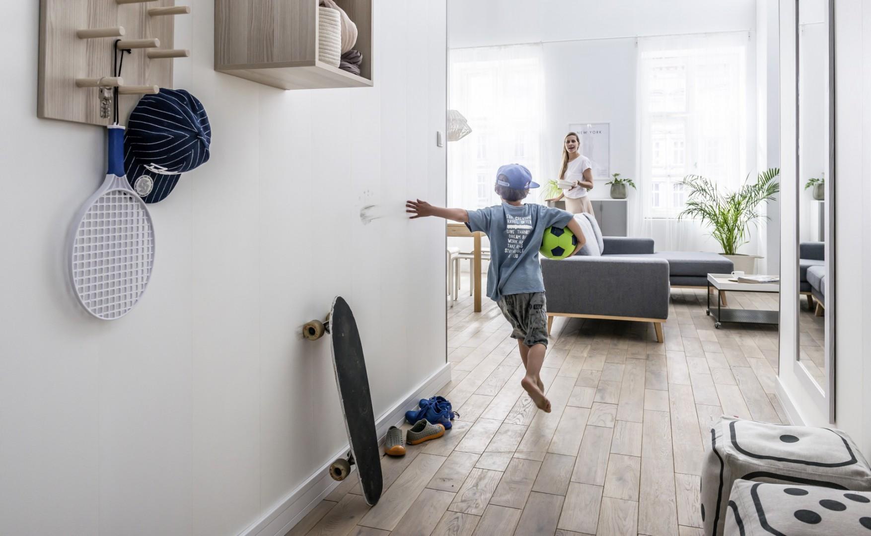 Ścienne półki i organizery pozwolą uporządkować każde wnętrze. Fot. Vox